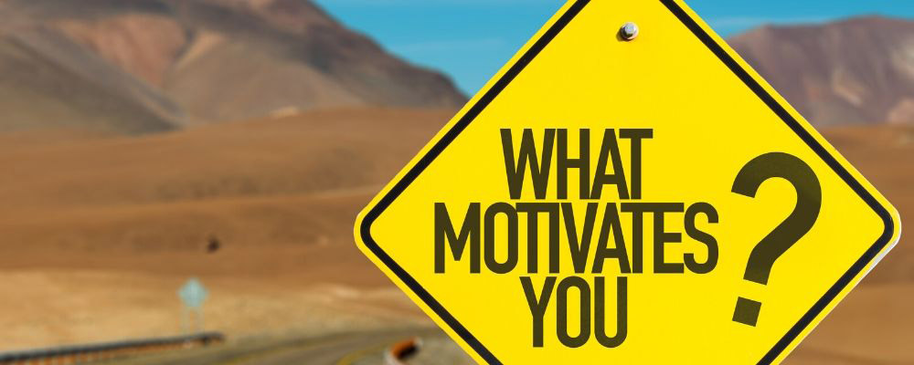 Types of Extrinsic and Intrinsic Motivation Techniques to Use in the Workplace